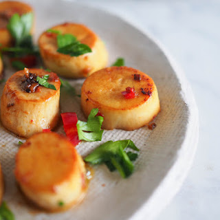 Garlic, Chilli + Lemon Mushroom Scallops.
