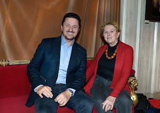Photo: Dr. Renate Wagner im Gespräch mit Piotr Beczala (10.12.2014). Foto: Barbara Zeininger