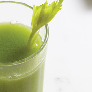 Celery-Apple-Kiwi Juice with Ginger.