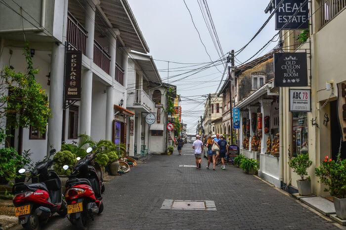 11 Best Places For Shopping in Galle On Your Sri Lankan Trip