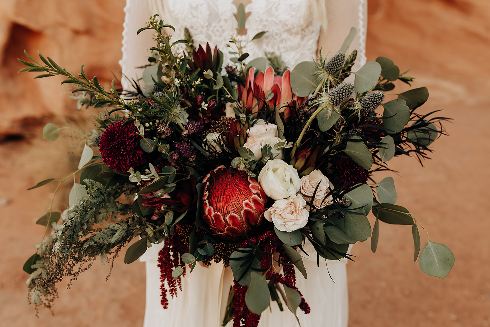 Elopement Wedding Flower Guide By Season (and Bouquet Inspiration!)