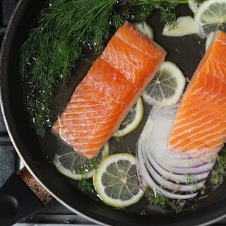 How To Make Poached Salmon With Dill Sauce