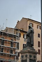 Photo: Giordano Bruno con gabbiano