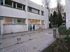 Photo: L'entrée des nouveaux locaux du LOE,  5 place Valmy 9ème, à côté de la Mairie