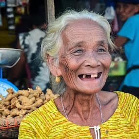 Smiling Grandma by Arcelous Lu - People Street & Candids (  )