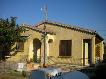 villa à Mondragon (84)