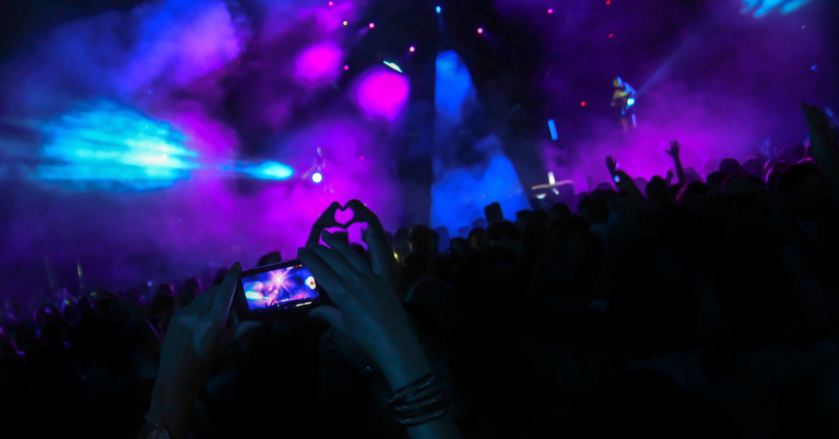 Smartphone filming live music event