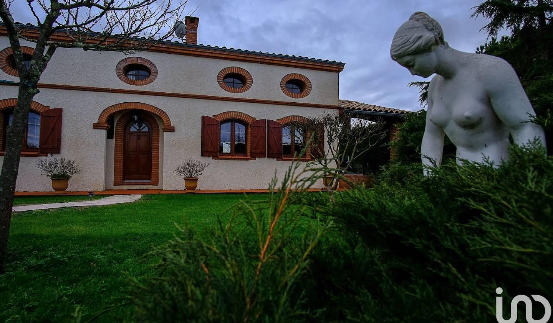 Maison avec piscine et terrasse Muret