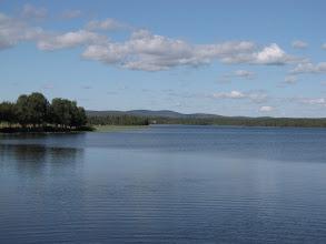 Photo: Kallunkijärvi, kijkrichting naar het noorden. Dit keer bij prachtig weer. De vorige maandag was het zicht hier vanwege de regenval nog beperkt tot enkele honderden meters.