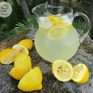 How to Make Cold & Refreshing Homemade Lemonade
