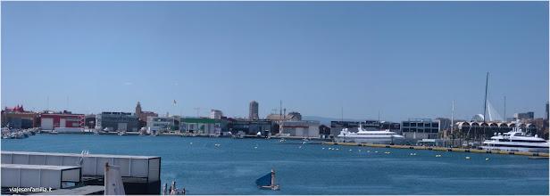 Photo: Imagen panorámica del puerto de Valencia  http://www.viajesenfamilia.it/