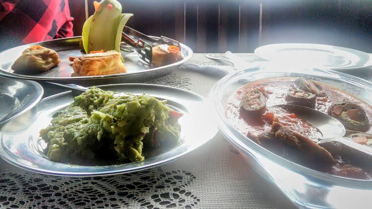 buffet lunch in reserva nacional manu Peru Amazon