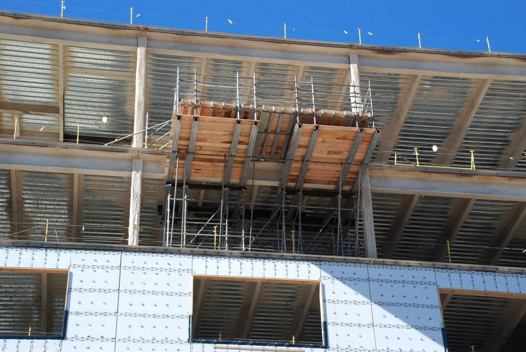 scaffolding, scaffold, cantilever, platform, work deck, lift, philadelphia, superior scaffold, 215 743-2200, pa, nj, md, de, super bowl, eagles