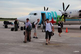 Photo: Dale - N3BNA y Lucas - LU1FAM bajando del avion.