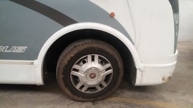 Photo: En este brico voy a reparar la parte delantera del paso de rueda, que se ha roto en esta auto