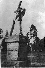 Photo: 12. Figura wyk. przez Antoniego Suchorowskiego w 1933. Monument made by Antoni Suchorowski in 1933.