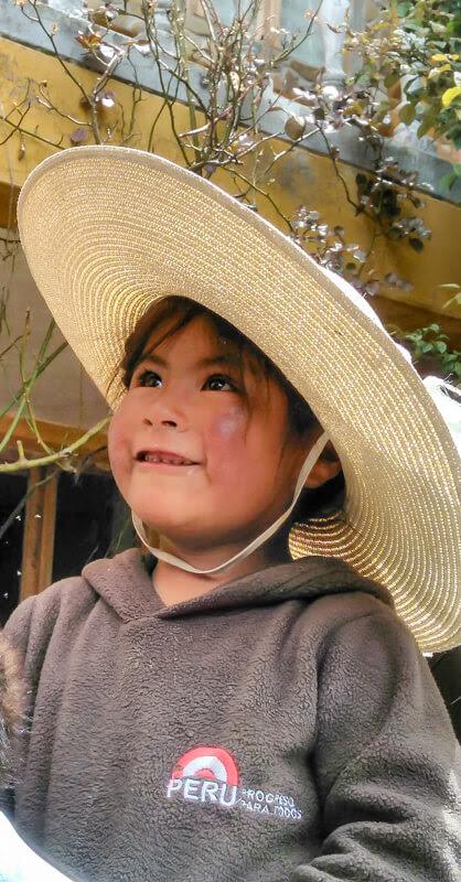Peruvian+quechua+girl+remote+island+lake+titicaca+puno+peru