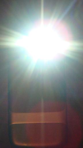 Brightest Flashlight Free ® screenshot 3