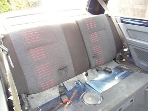 Photo: Fitting the Renault 5 GT Turbo rear upper seats