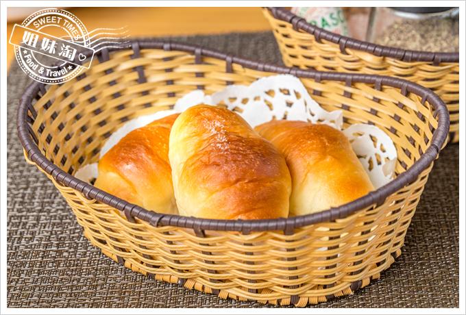 菲.Ra Ra義式餐酒館套餐麵包