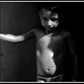 Child in black and white  by Vinay Ad - Babies & Children Child Portraits