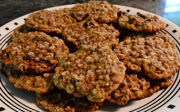 Date Nut Oatmeal Cookies Recipe
