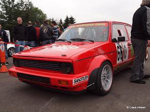 Photo: Das feuerrote Powermobil.