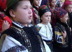 Photo: Niños cantores en el Sucevita Monastery