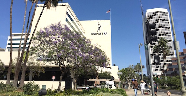 The SAG-AFTRA Building at 5757 Wilshire. Photo: Julie Grist.