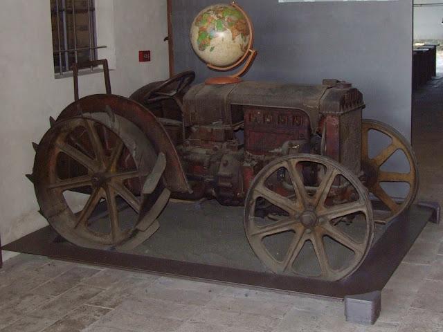 Il trattore di Aldo Cervi