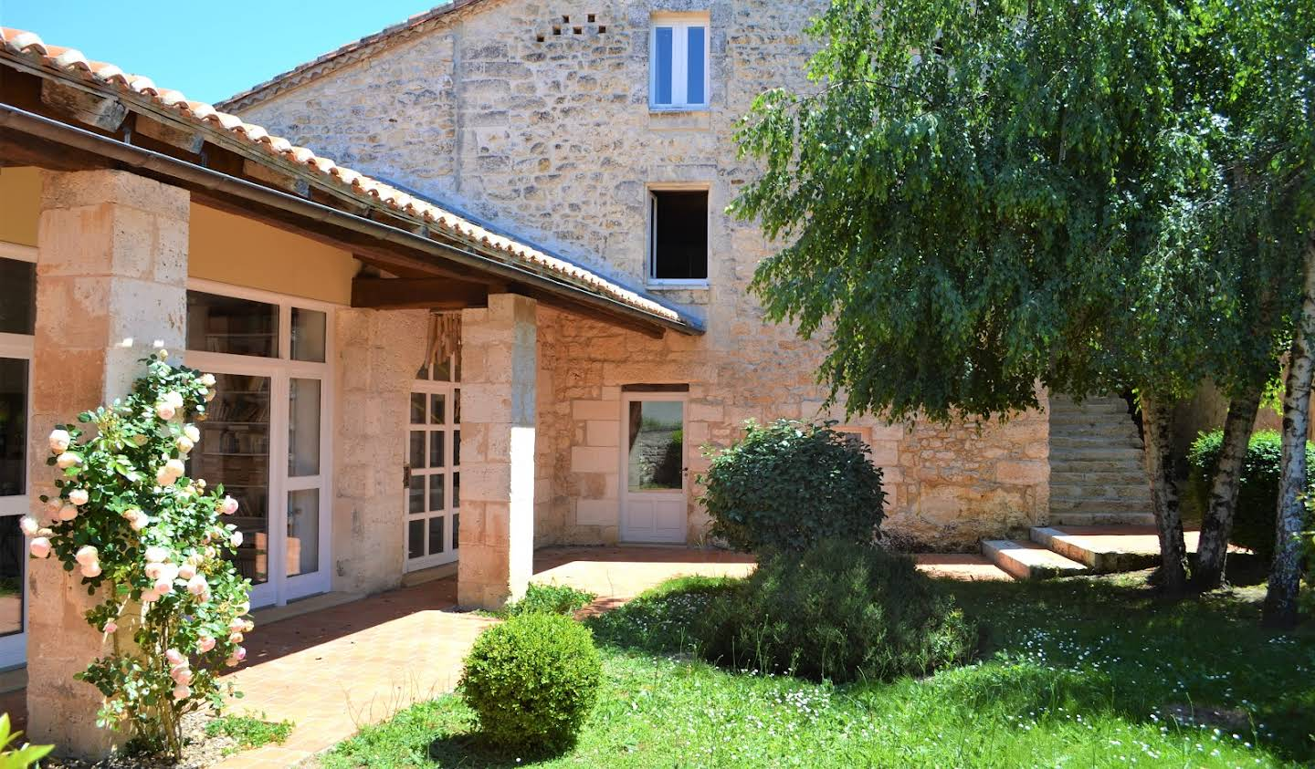 Property with pool and garden Angouleme