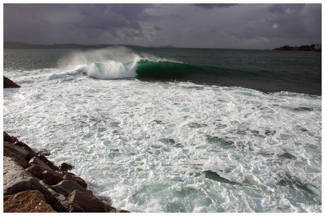 Hacer Del Baño Verde Es Malo:la cosmovisión de un surfer: El ojo de Berto y en el agua, las de