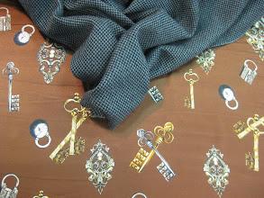 Photo: Ткань : Атлас стрейч натуральный шелк ш.140см цена 4000руб Ткань:Кашемир жаккардовый ш.150см. цена 4500руб.
