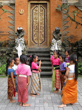 Photo: Ubud - kids playing in front of temple.