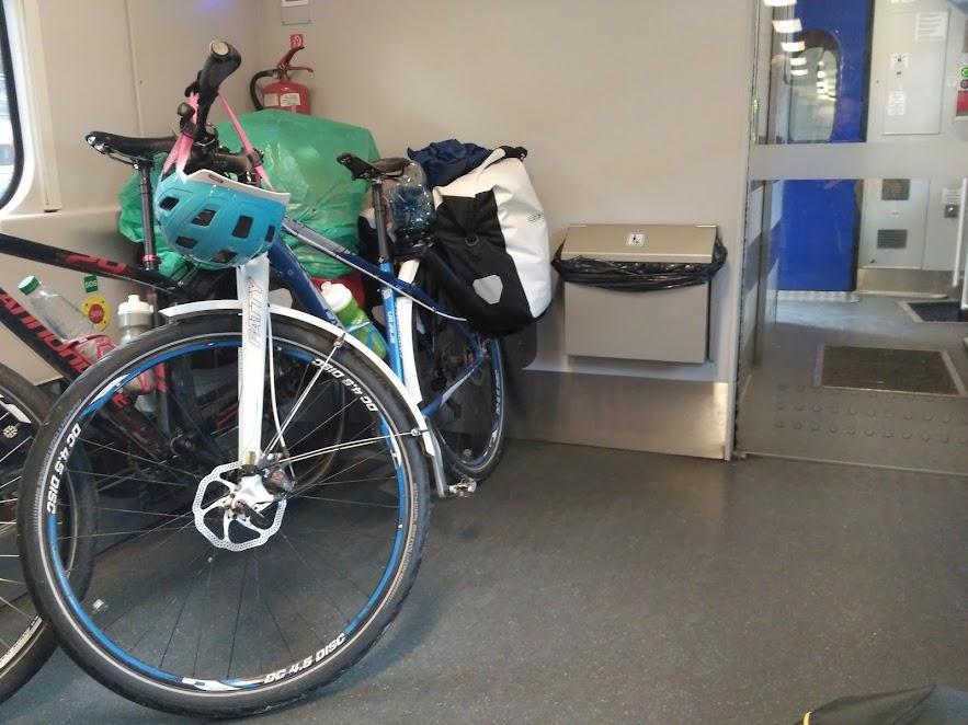 місця для велосипедів