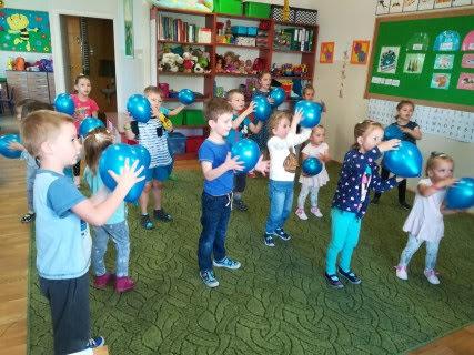 Żabki i Słoneczka: Na niebiesko dla autyzmu