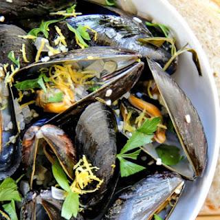 Seafood White Wine Garlic Sauce Recipes.