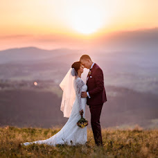 Wedding photographer Lukáš Zabystrzan (LukasZabystrz). Photo of 18.11.2018