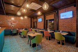 Ресторан Pho'n'Roll набережной реки Фонтанки