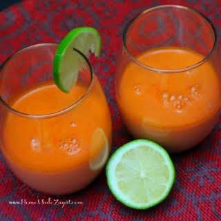 Easy Carrot Juice.
