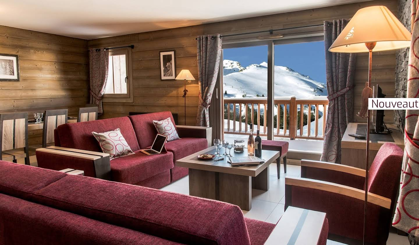 Apartment with terrace and pool La Plagne