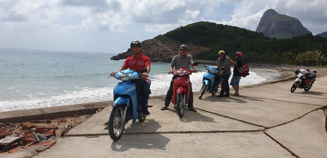 Image result for xe máy côn đảo