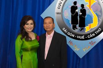 Photo: chị Cao Ánh Nguyệt (SVLK SaiGon) & phu quân Nguyên Trung