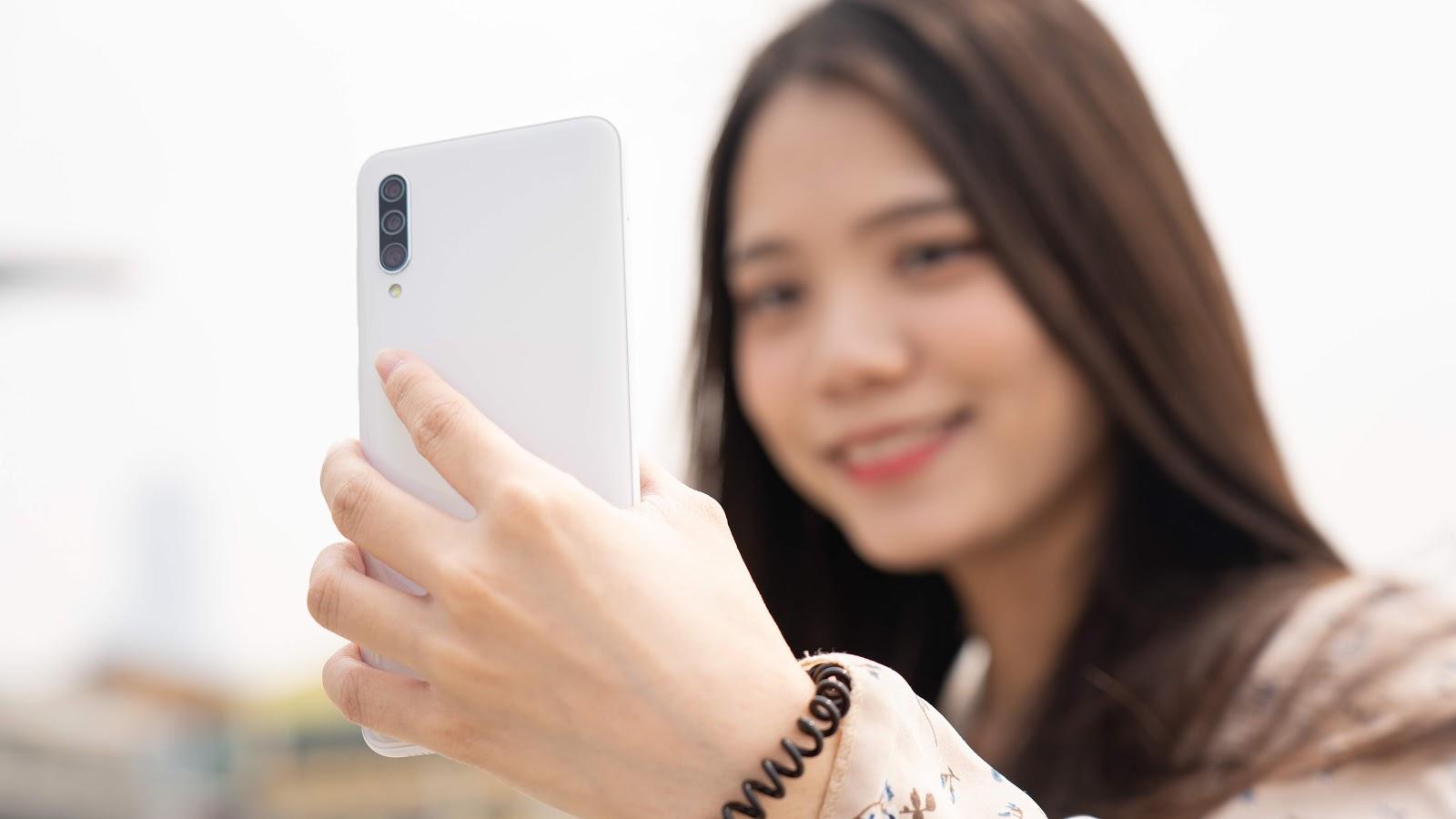 九千以下的手機選什麼?三星 Samsung Galaxy A30s 平價同時擁有旗艦規格! 駁二一日遊~ - 8