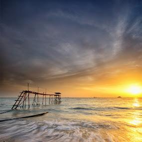 Glorified 2 by SyaFiq Sha'Rani - Landscapes Waterscapes ( pwcfoulweather-dq, waterscape, waves, sunset, slowshutter, cloudy, sun, bora-bora )