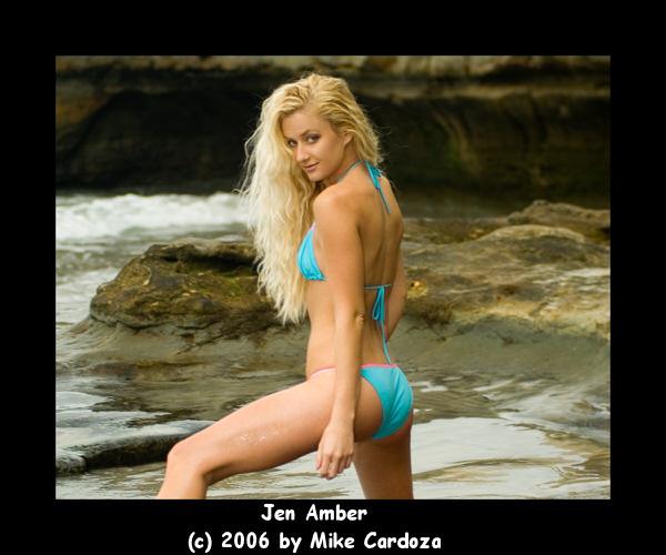 http://lh3.google.com/mcardoza1/RpyA6l_ADAI/AAAAAAAAABI/uMSy6jXhPhw/Jen_Amber076.jpg?imgmax=640