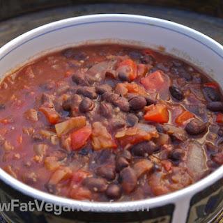 Quick Stovetop (Low Fat) Plant Based Black Bean Chilli Recipe