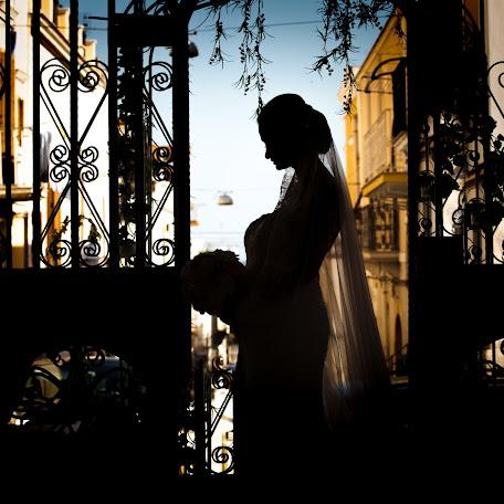 Wedding photographer Fabio Arcozzi (AeAStudio). Photo of 13.02.2018