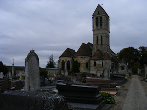 Photo: The view of the church is particularly good from the cemetery in the back.