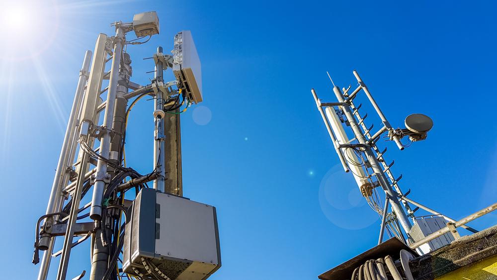 Enquanto leilão do 5G não sai, operadores utilizam bandas de 3G e 4G para oferecer a tecnologia no Brasil